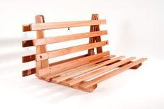 Base de madeira modelo S casal.  Medida: 1,30m x 1,90m x 0,11m aberto como cama.