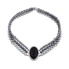 Collar con perlas barrocas, con obsidiana cabuchón engarzada en plata 950 - Sarah Kosta