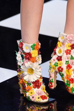 Retrouvez les photos du défilé Dolce & Gabbana Prêt-à-porter Automne-hiver…