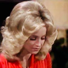 Medium Curly, Medium Hair Styles, Curly Hair Styles, Teased Hair, Bouffant Hair, 1970s Hairstyles, Vintage Hairstyles, Full Hair, Big Hair