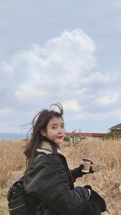 ᴡᴀʟʟᴘᴀᴘᴇʀs - @with.iu Korean Actresses, Korean Actors, Actors & Actresses, K Pop, Seulgi Instagram, Iu Fashion, Foto Pose, Poses, Korean Beauty