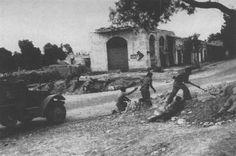 أفراد من العصابات الصهيونية تهاجم النقب ١٩٤٩م  Gang members and Zionism attacking Negev 1949 M.