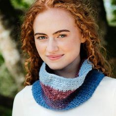 Saoirse Aran Cowl Pattern An easy to knit cowl pattern, ideal for knitters of all experience levels. We recommend using worsted-weight Irish yarn, this cowl pattern is divided into four distinct sections with each one defined by its own shade. Knitting Kits, Knitting Projects, Knitting Patterns, Knit Cowl, Knit Crochet, Mittens, Scarves, Wool, Irish
