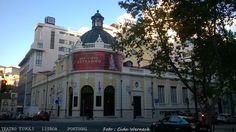 O Teatro Tivoli em Lisboa,Portugal. Situado na Avenida da Liberdade foi fundado em 1924. Em 2015 foi classificado como Monumento de Interesse Público . Local de apresentações teatrais, dança , concertos, festivais e outros eventos. Dispõe de cerca de 1000 lugares.Foto : Cida Werneck