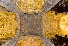 Catedral de Sevilla (s. XV). Vista de la bóveda estrellada.