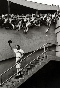size: Premium Photographic Print: Fans Welcoming Giants Star Willie Mays at Polo Grounds by Art Rickerby : Baseball Tips, Baseball Park, Giants Baseball, Baseball Photos, Baseball Players, Baseball Stuff, Baseball Mom, Football, Polo Grounds