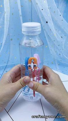 Water Bottle Crafts, Plastic Bottle Crafts, Water Bottles For Kids, Plastic Water Bottles, Water Bottle Art, School Water Bottles, Fun Diy Crafts, Camping Crafts, Baby Crafts