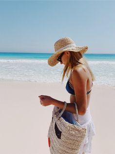 See more of amdelafield's content on VSCO. Beach Pink, Summer Beach, Summer Vibes, Summer Fun, Tropical Beach Houses, Tropical Beaches, Packing List Beach, Romantic Beach, Summer Pictures