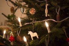 Nuori Koti - Nuoren Kodin joulukuusi Koti, Christmas Ornaments, Holiday Decor, Home Decor, Decoration Home, Room Decor, Christmas Jewelry, Christmas Baubles, Christmas Decorations