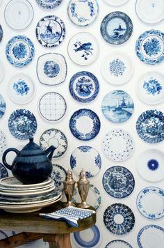 Blauw...blauw..Delfts blauw..aan de muur bij jou?