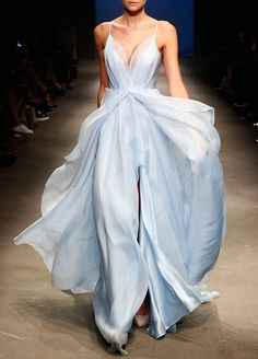 Leanne Marshall – Runway – Frühjahr 2016 New York Fashion Week … - Mode Trends Style Haute Couture, Couture Fashion, Fashion Show, Trendy Fashion, High Fashion, Ladies Fashion, Fashion Ideas, Women's Runway Fashion, Feminine Fashion