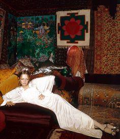 Twiggy in Biba ensemble, photographed by Justin de Villeneuve – 1972