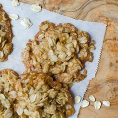 These gluten free oatmeal chews are a chewy, slightly caramel-y cookie with a hint of coconut. They're a crisp, chewy drop cookie and they're so easy to make. Healthy Snack Options, Healthy Muffin Recipes, Healthy Muffins, Trail Mix Cookies, Spice Cookies, Easy Meringue Recipe, Gluten Free Oatmeal, Looks Yummy, Yummy Yummy