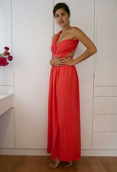 DIY Dress... Great DIY clothing sewing blog as a whole -