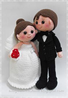 Amigurumi wedding couple