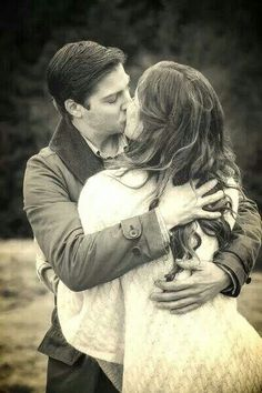 Kissing in the mountains <3  #WhenCallsTheHeart #Hearties