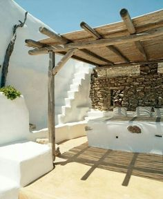 Décor des îles grecques : Villa Drakothea à Mykonos Mykonos, Santorini, Ibiza, Exterior Design, Interior And Exterior, Outdoor Spaces, Outdoor Living, Turbulence Deco, Greek House