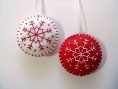 Felt christmas ornaments - set of 2 round ornaments white and red snowflake…