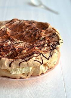 Tiramisu Pavlova - Perfect dessert