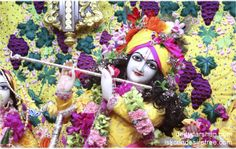 To view Gopinath Close Up Wallpaper of ISKCON Chowpatty in difference sizes visit - http://harekrishnawallpapers.com/sri-gopinath-close-up-wallpaper-005/