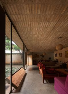 Image 3 of 25 from gallery of Fanego House / Sergio Fanego + Gabinete de Arquitectura. Photograph by Federico Cairoli Brick Architecture, Contemporary Architecture, Architecture Details, Interior Architecture, Interior And Exterior, Arch House, Tadelakt, Mid Century House, Halle