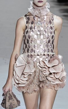 Marc Jacobs S/S 2010 Runway Details | Keep the Glamour | BeStayBeautiful