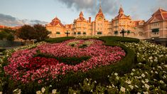 Good Morning From The Disneyland Hotel at Disneyland Paris Disneyland Hotel Paris, Luxury Travel, Good Morning, Vacation, Mansions, House Styles, Parks, Buen Dia, Vacations