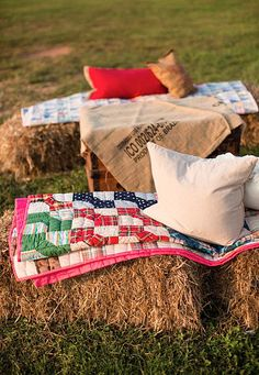 Pin for Later: Giddyap, Girl! How to Throw a Honky-Tonk Bridal Shower Hay Bale Seating Photo by Katelyn James Photography via Project Wedding Western Bridal Showers, Bridal Shower Rustic, Bridal Shower Party, Bridal Shower Decorations, Hay Bale Seating, Hay Bales, Country Western Parties, Country Picnic, Western Theme