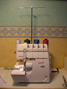 Comment se servir d'une surjeteuse ? Sewing Tutorials, Sewing Hacks, Sewing Projects, Diy Couture, Couture Sewing, Serger Sewing, Techniques Couture, Diy Projects To Try, Inspiration