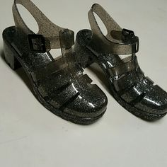 new glitter jelly grey sandels new size 8, best fits a 7.5 Shoes Sandals