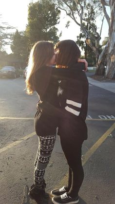 Bia and Lary a love story between two girls🎀 Cute Lesbian Couples, Lesbian Pride, Lesbian Love, Lesbian Art, Gay Aesthetic, Aesthetic Women, Parejas Goals Tumblr, Girlfriend Goals, Cute Friend Pictures