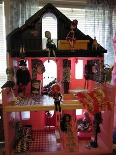 Monster High Doll house, out of a Step two doll house...IMO one of the best Doll houses for conversion!