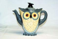 """""""Grey owl"""" teapot €59,95."""