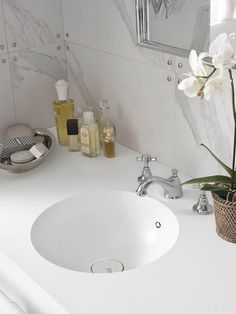 Portraits of Life - Modern Retro  New DuPont™ Corian® Bathroom Collection