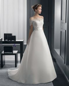 Rosa Clara Wedding Dresses & Bridal Gowns from Felichia Bridal in Toronto Bridal Wedding Dresses, Dream Wedding Dresses, Bridesmaid Dresses, Wedding Ideias, Sophisticated Bride, Beautiful Gowns, Dream Dress, Bridal Collection, Marie