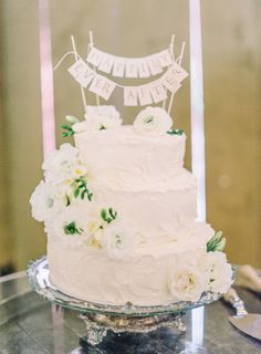 White wedding cake: http://www.stylemepretty.com/california-weddings/camarillo/2015/02/06/rustic-glamour-camarillo-ranch-wedding/ | Photography: Mariel Hannah - http://www.marielhannahphoto.com/