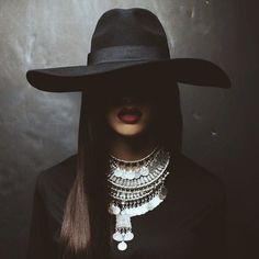 The Lady In Black-Stylish