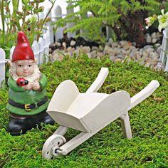 O jardim de fadas - miniatura ferramentas de jardim