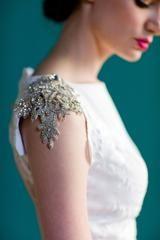 Carol Hannah 'Pemberley' size 12 sample wedding dress view of shoulder
