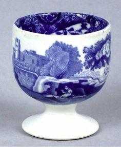 Hueverita Blue Willow China, Blue And White China, Blue China, Love Blue, Delft, Vintage Egg Cups, Vintage Dishware, Egg Timer, Blue Eggs