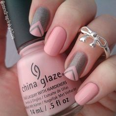 Pretty looking pink nail art design in nude color. This design uses nude pink polish as base color topped with silver glitter polish forming v-shapes are painted on top.