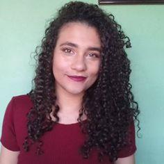 E esse nenê todo maquiado pra gravar vídeos pra vocês ? Amanhã teeeem vídeo novo gentem ❤  Cachos ,cabelo cacheado ,water only ,só agua ,curly hair Curls Hair, Curled Hairstyles, Instagram, Emboss, Curls, Curly Hair, Crimped Hair, Perm Hairstyles