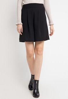 Mineola Rubber Waist Short Pants Black