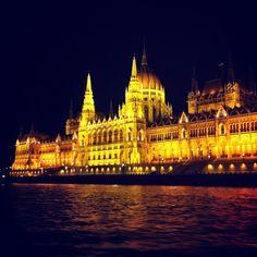 Les Voyages de Beatrice: Port: Budapest!