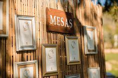 Seating plan de boda - La Tienda de Olivia #minutas #minutasdeboda #minutasbodas #minutaseventos #menusdebodas #menudeboda #papeleriadeboda #menudelaboda #minutadelaboda #meseros #seatingplan #seattingplan #minutaboda #papeleriaparabodas #papeleriabonitadeboda #papeleriabonita #latiendadeolivia Ideas Para, Wine, How To Plan, Bottle, Cute Stationery, Invitations, Store, Weddings, Flask