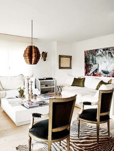 Details About Two Black Chairs French Style White Sofas Modern Living Room Eclectic Decor Home Decorating Zebra Rug Ideas Apartment Interior, Home Interior, Modern Interior Design, Interior Decorating, Diy Decorating, Living Room Designs, Living Room Decor, Living Spaces, Decoracion Vintage Chic