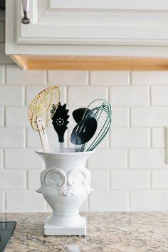 Interior Designer Jennifer Wagner Schmidt #theeverygirl #career #home #kitchen #cooking #utensils