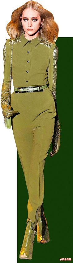 ELIE SAAB將軍裝變成纖瘦修長的秋冬褲裝輪廓。