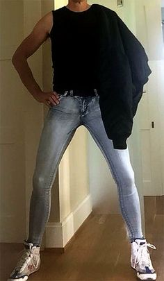 Would love to feel you Tight Jeans Men, Superenge Jeans, Boys Jeans, Skinny Guys, Super Skinny Jeans, Skinny Pants, Fashion Moda, Skin Tight, Jeans Style