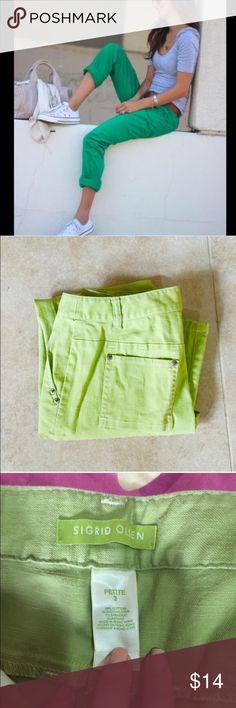 Sigrid Olsen Capri pants Cute fun capris. Run larger like a 4 but tag says 2 Pants Capris